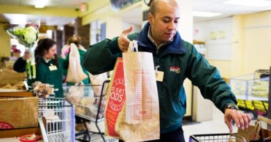 grocery bagger