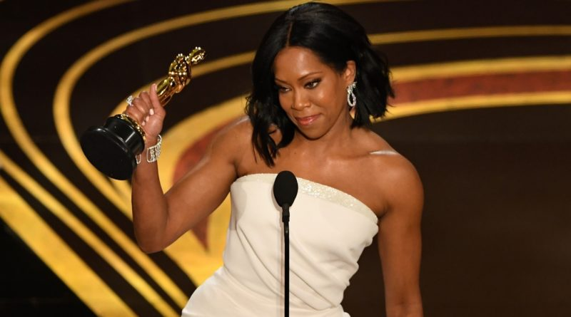 Regina King, pictured with her Oscar